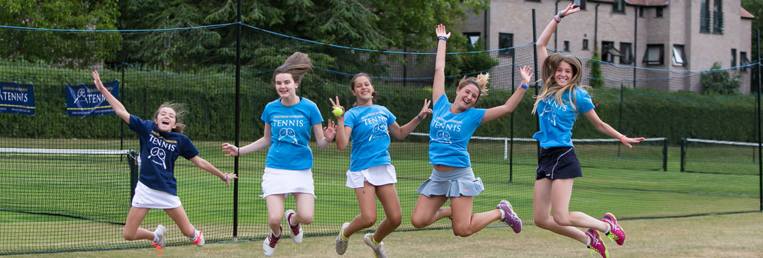 Spielerinnen im Camp, tenniscamp England
